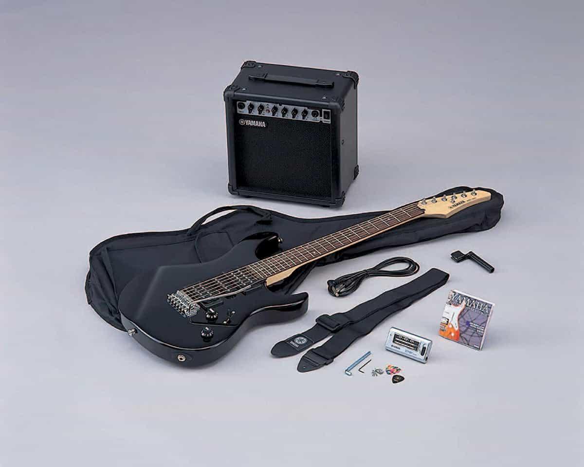 chitarra-elettrica-yamaha-ERG121GPIIHII